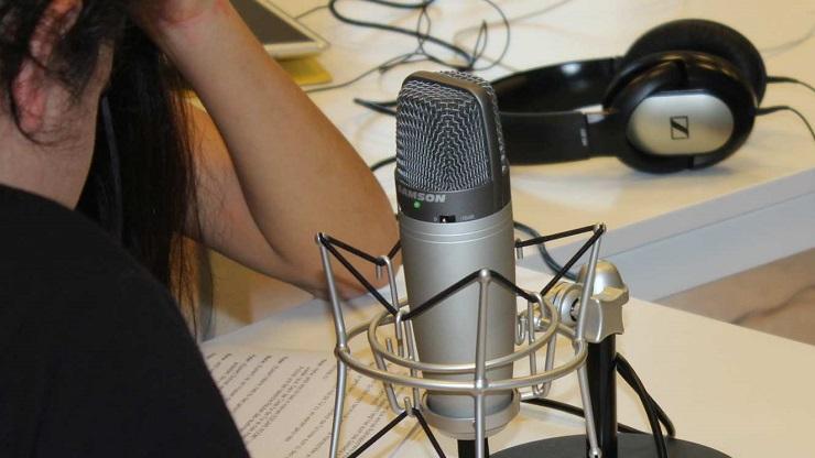 Mikrofon, Kopfhörer, Sprechertexte